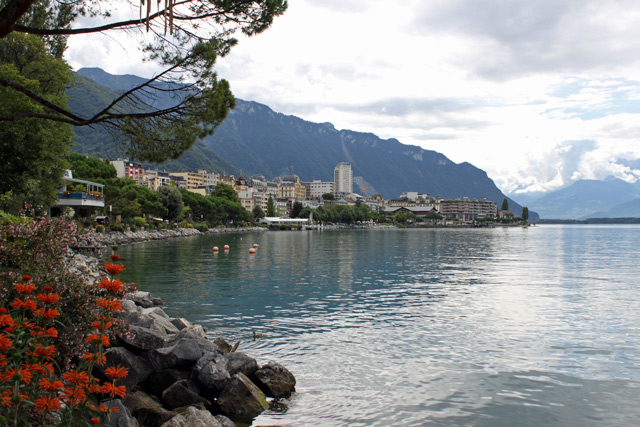 Cities and Towns on Lake Geneva in Switzerland & France