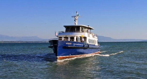 Passenger ferry boats on lake geneva in switzerland france lake geneva passenger ferry boat sciox Images