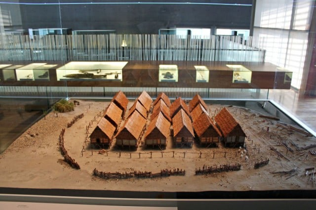 Model of the village of Cortaillod / Est