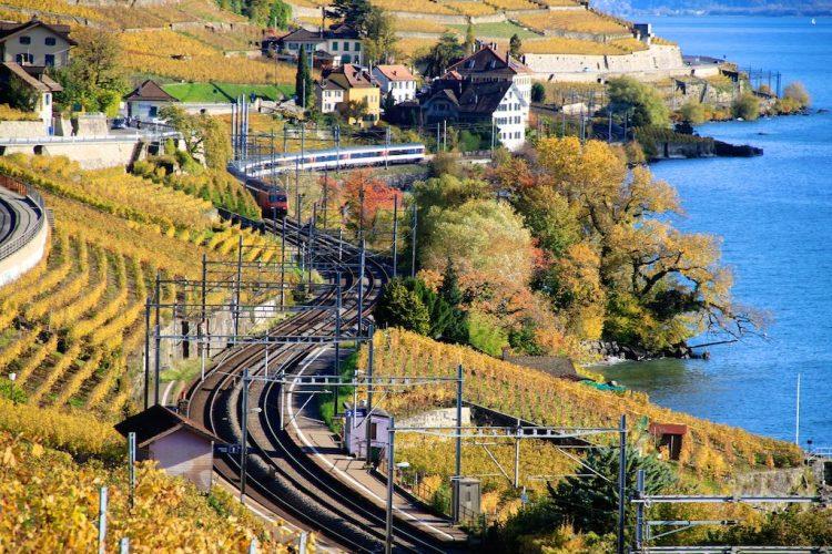 Train along the shores of Lake Geneva