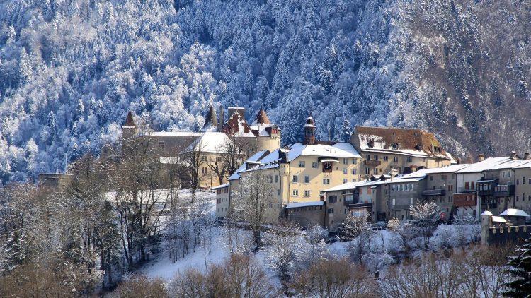Gruyeres Castle IN winter