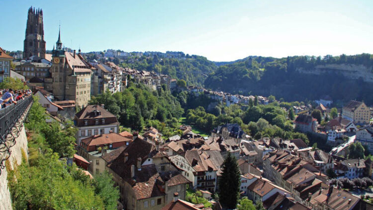 Fribourg (Freiburg) is a beautiful city with the largest number of medieval buildings in Switzerland