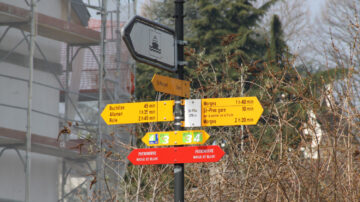 Hiking Route SIgns St Prex