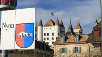 Nyon Sign and castle