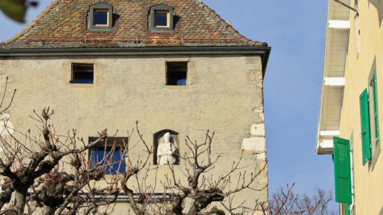 Roman statue in Nyon