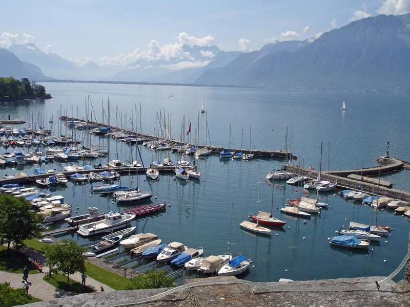 Pleasure boats and ferries on lake geneva switzerland autos post for Construction piscine geneve